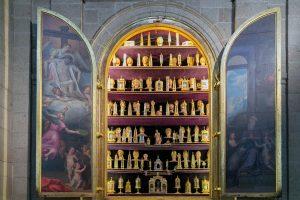 Tráfico de reliquias. El comercio sagrado de la Edad Media Rincón de la historia, Edad Media, Historia