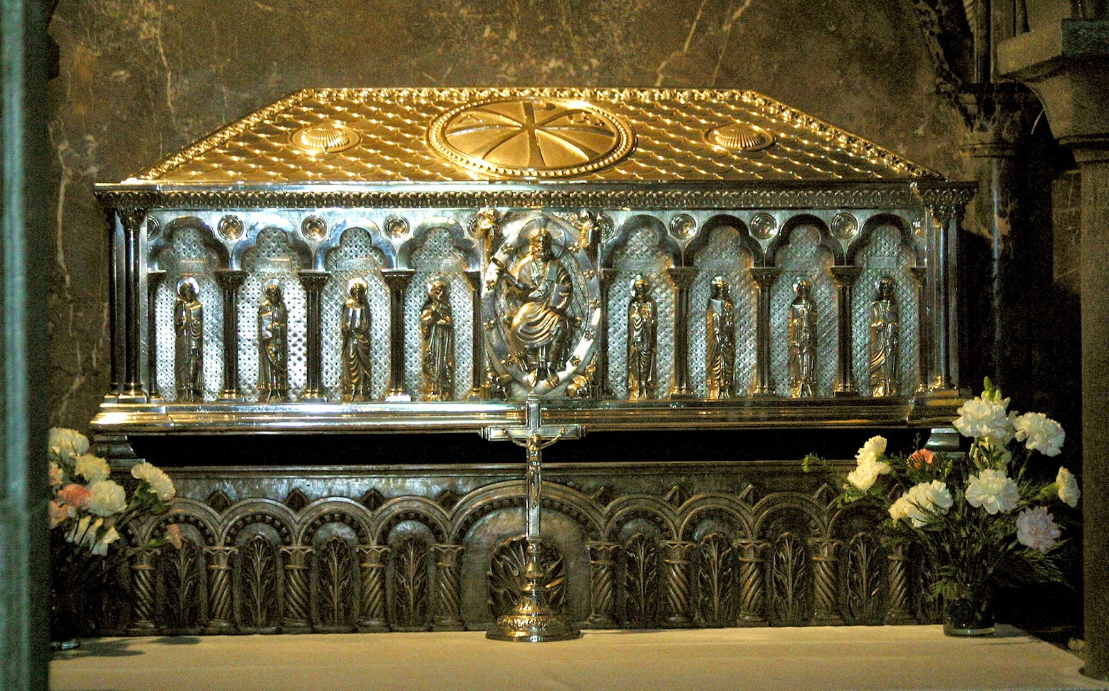 Tráfico de reliquias. O comercio sagrado da Idade Media Historia, Idade Media, Recuncho da historia