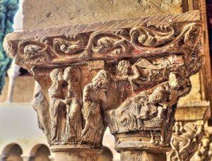 Escena Natividad en capiteles Monasterio de Silos