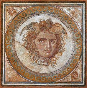 Mosaico cabeza Medusa