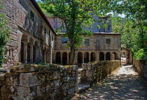 Claustro del Monasterio de Santa Cristina de Ribas do Sil